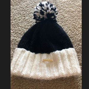 MK winter beanie